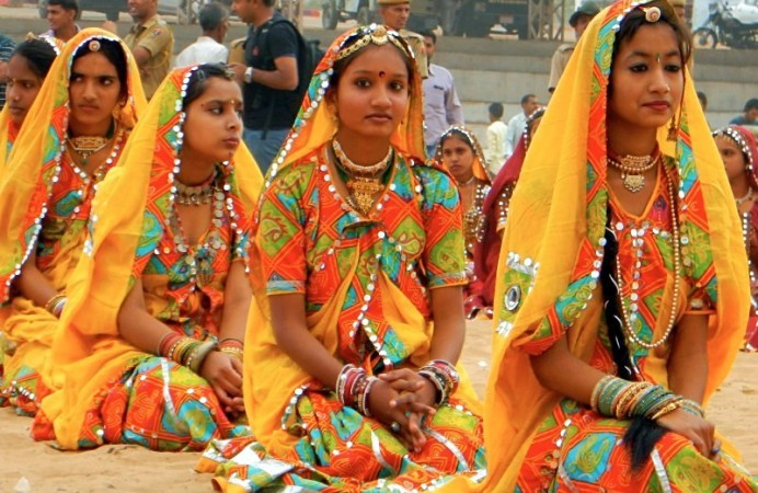 pushkar-fair-dancers
