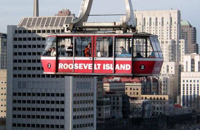 roosevelt_island_tram_queensborough_7apr02