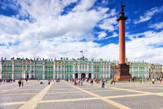 russia_san-pietroburgo_View-Winter-Palace-in-Saint-Petersburg