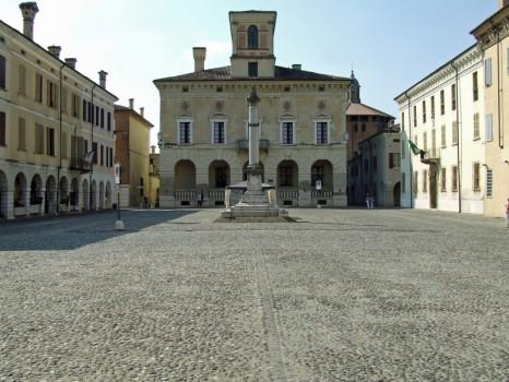 sabbioneta piazza
