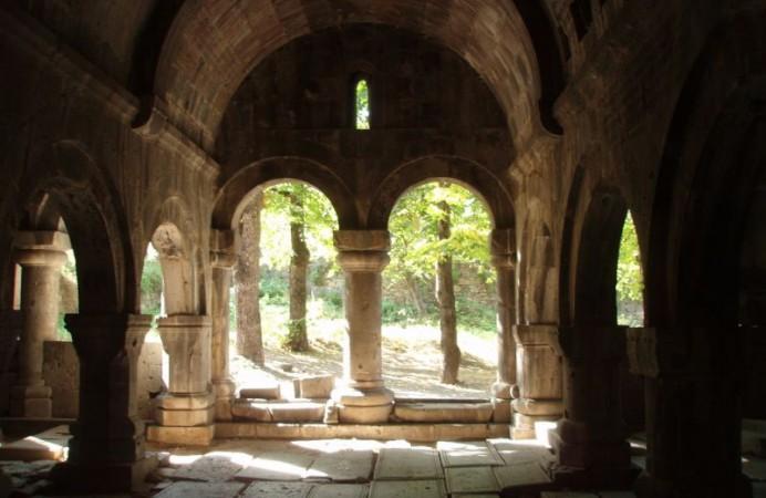sanahin-monastery-24