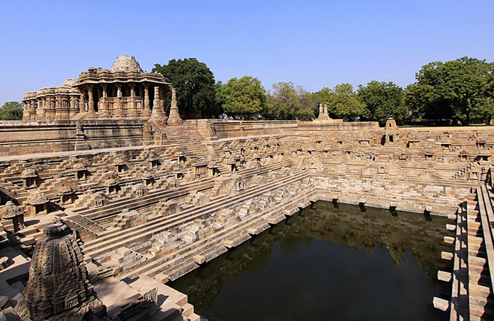 tempio-del-sole-modhera1
