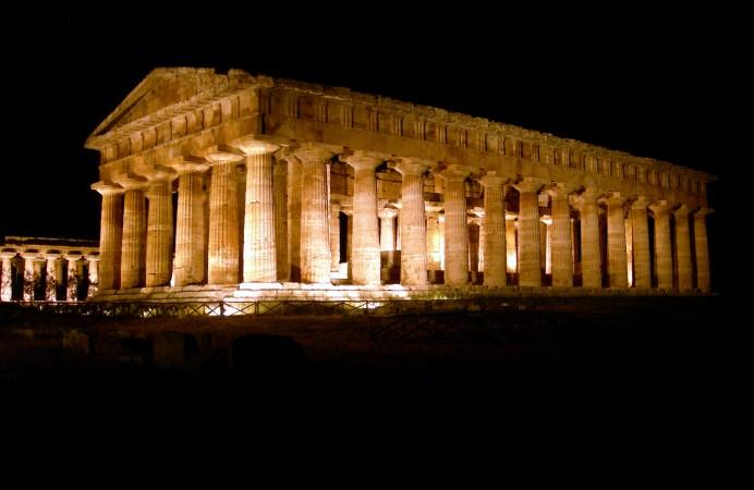 tempio-di-notte