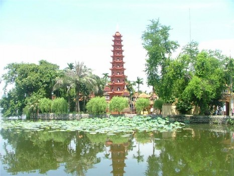 tran-quoc-pagoda-on-west-lake-271