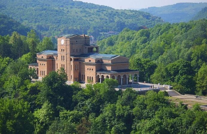 veliko-tarnovo-12-06-2012-06-20-46