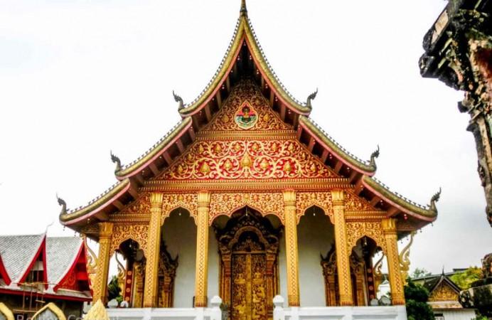 Wat Xieng Muane Luang Prabang Laos Rolling Coconut Ooaworld